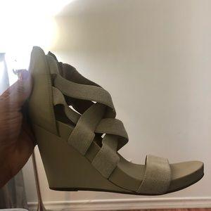 Bcbg beige wedge sandals sz 8.5